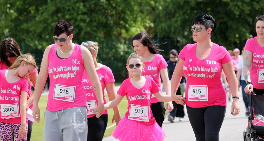 Chesterfield Race for Life (c) Claire Davison Photography